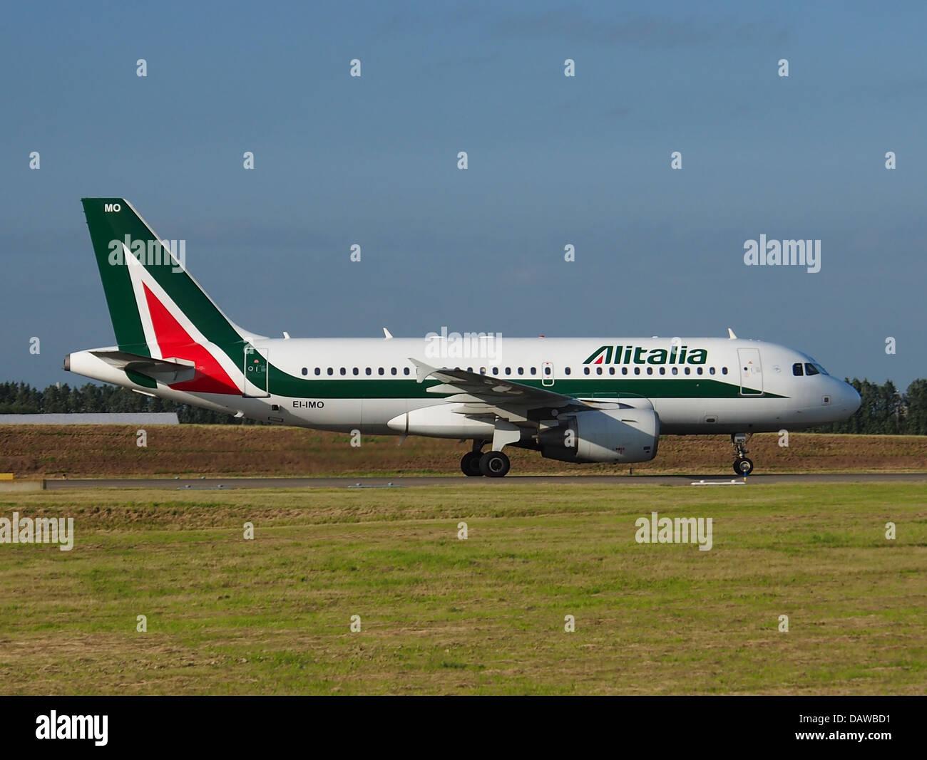EI-OMI Alitalia Airbus A319-112 - cn 1770 Banque D'Images