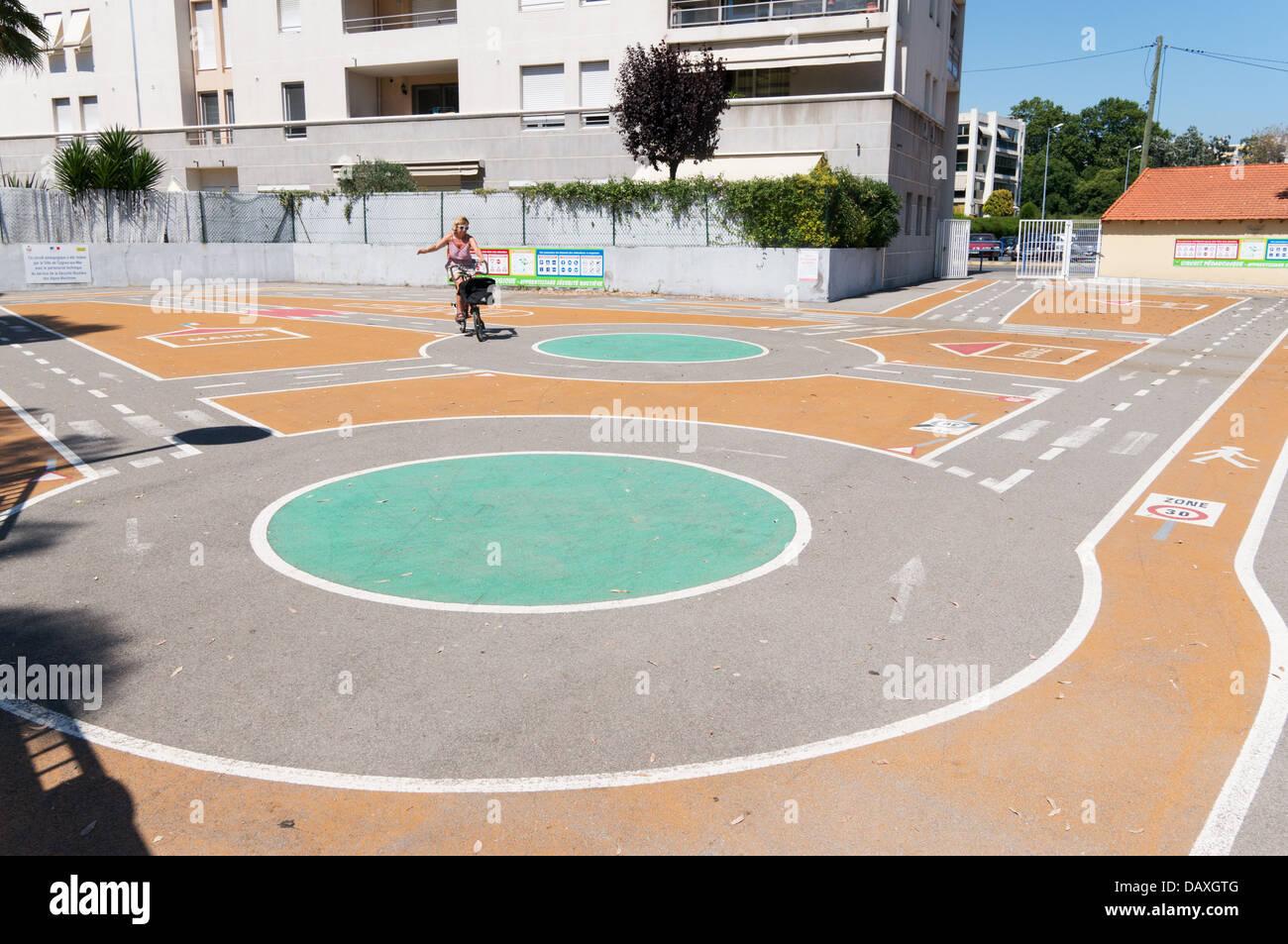 Une miniature route circuit ou circuit pédagogique à Cagnes sur Mer, près de Nice, France Photo Stock