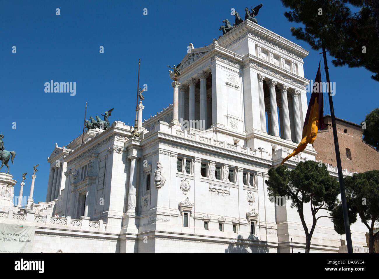 S'appuyant sur le monument de la place de Venise, Rome, Italie Photo Stock