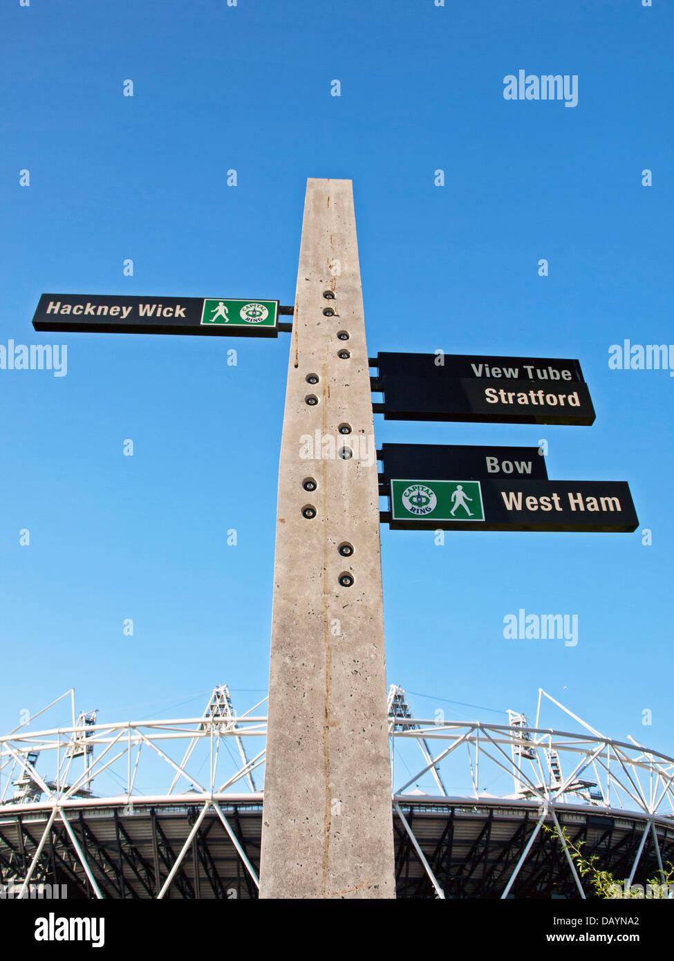 Vue sur le stade olympique, le stade de l hôte pour l été 2012 Jeux  Olympiques et Paralympiques, situé dans le Parc olympique de Stratford, 7c3071de09d