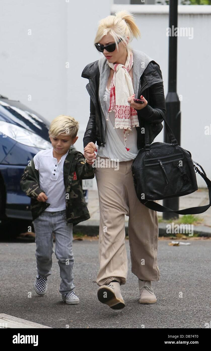 Gwen stefani et son fils kingston qui quittent la maison de chris martin et gwyneth paltrow - Maison couture et fils ...