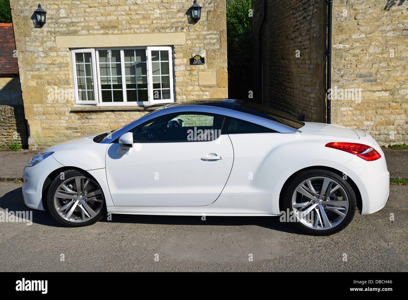 White Peugeot Rcz Voiture De Sport Compact Swinbrook Oxfordshire