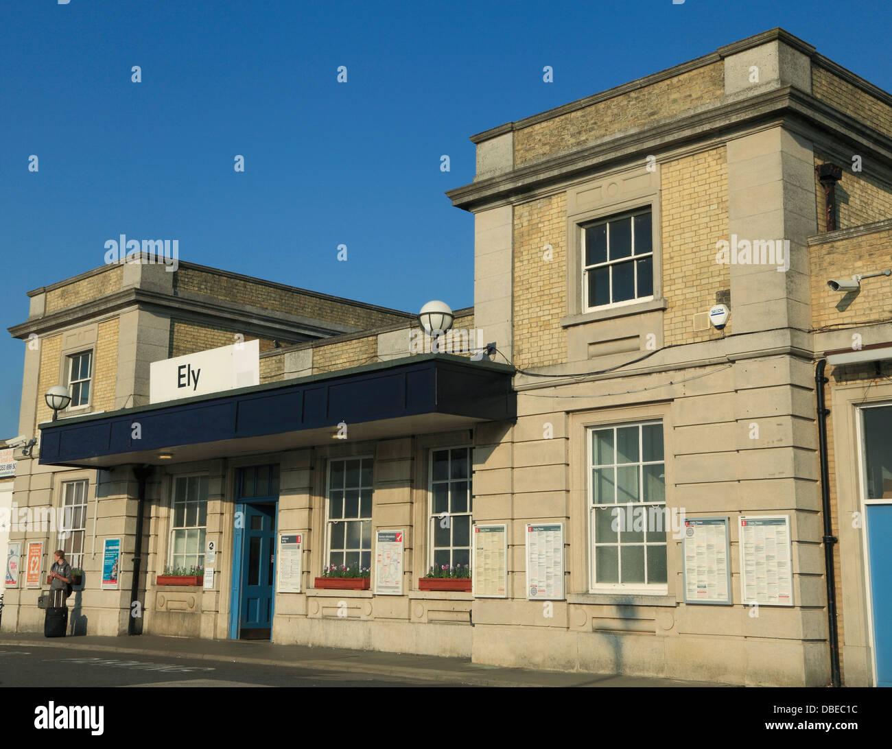 La gare d'Ely, Cambridgeshire England UK entrée Photo Stock