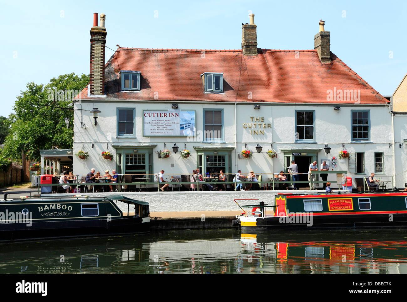 Ely, Cutter Inn, rivière Ouse, bateaux, barges, Cambridgeshire England UK English Auberge rivières pubs Photo Stock