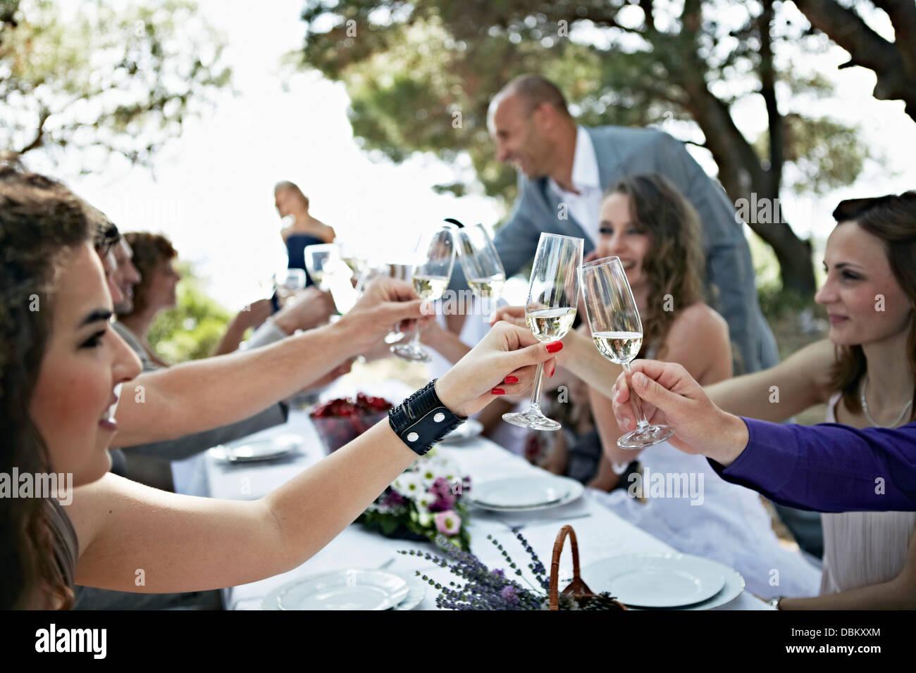 Célébration de mariage à l'extérieur, Italy, Europe Photo Stock