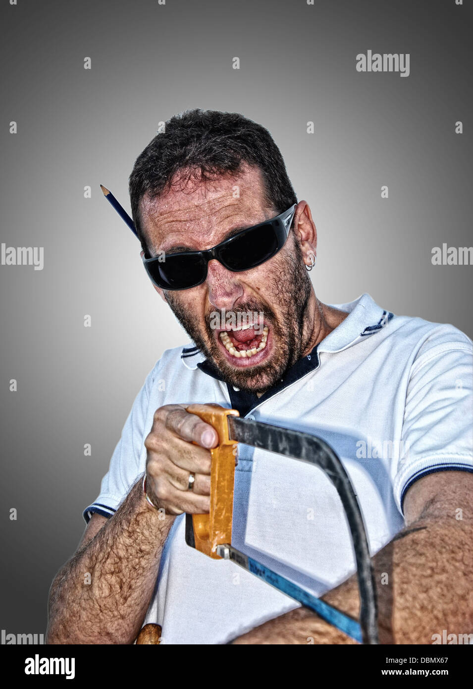 Crazy Carpenter en état de choc avec leur travail Photo Stock