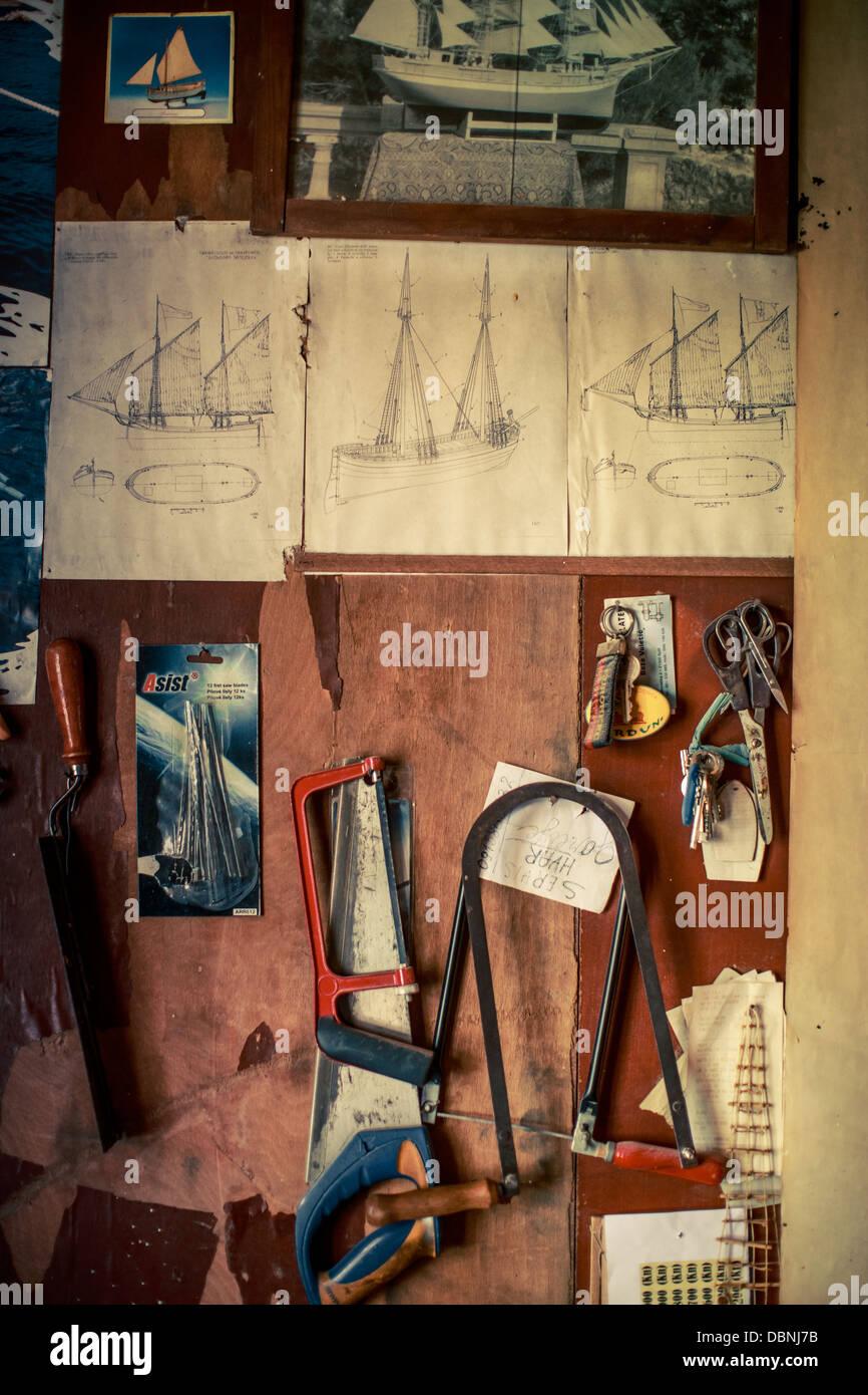 Des outils en atelier, île de Hvar, Hvar, Dalmatie, Croatie Banque D'Images