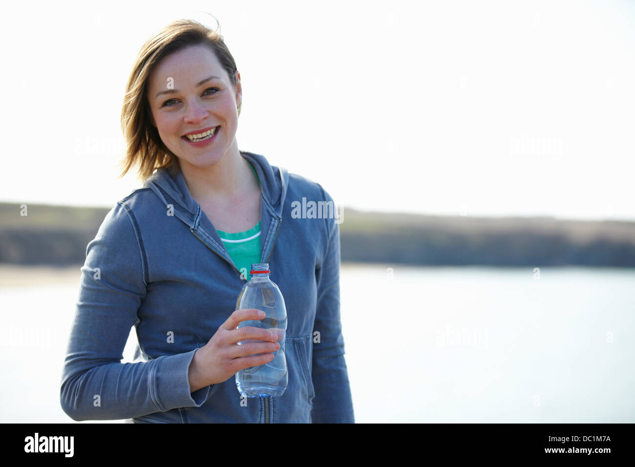 Portrait de jeune femme à l'autre en pause Photo Stock