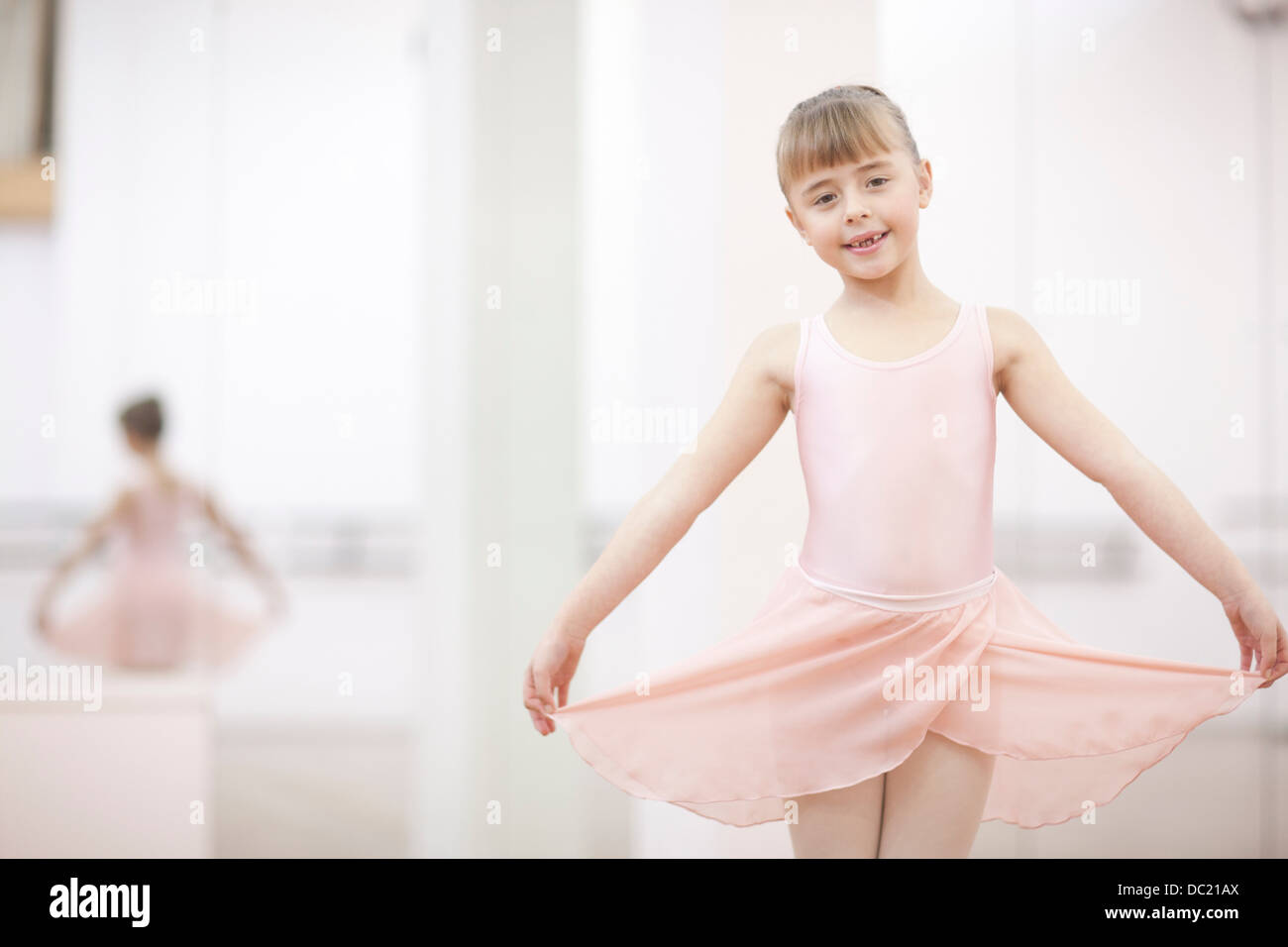 Portrait d'une jeune ballerine jupe portefeuille Photo Stock
