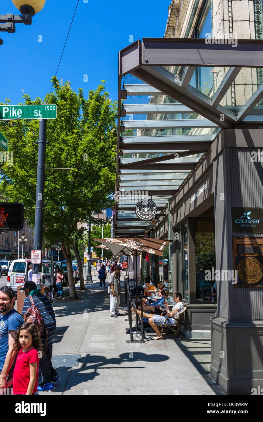 L 'original' café Starbucks à Pike Place 1912, Pike Place Market, Seattle, Washington, USA Photo Stock