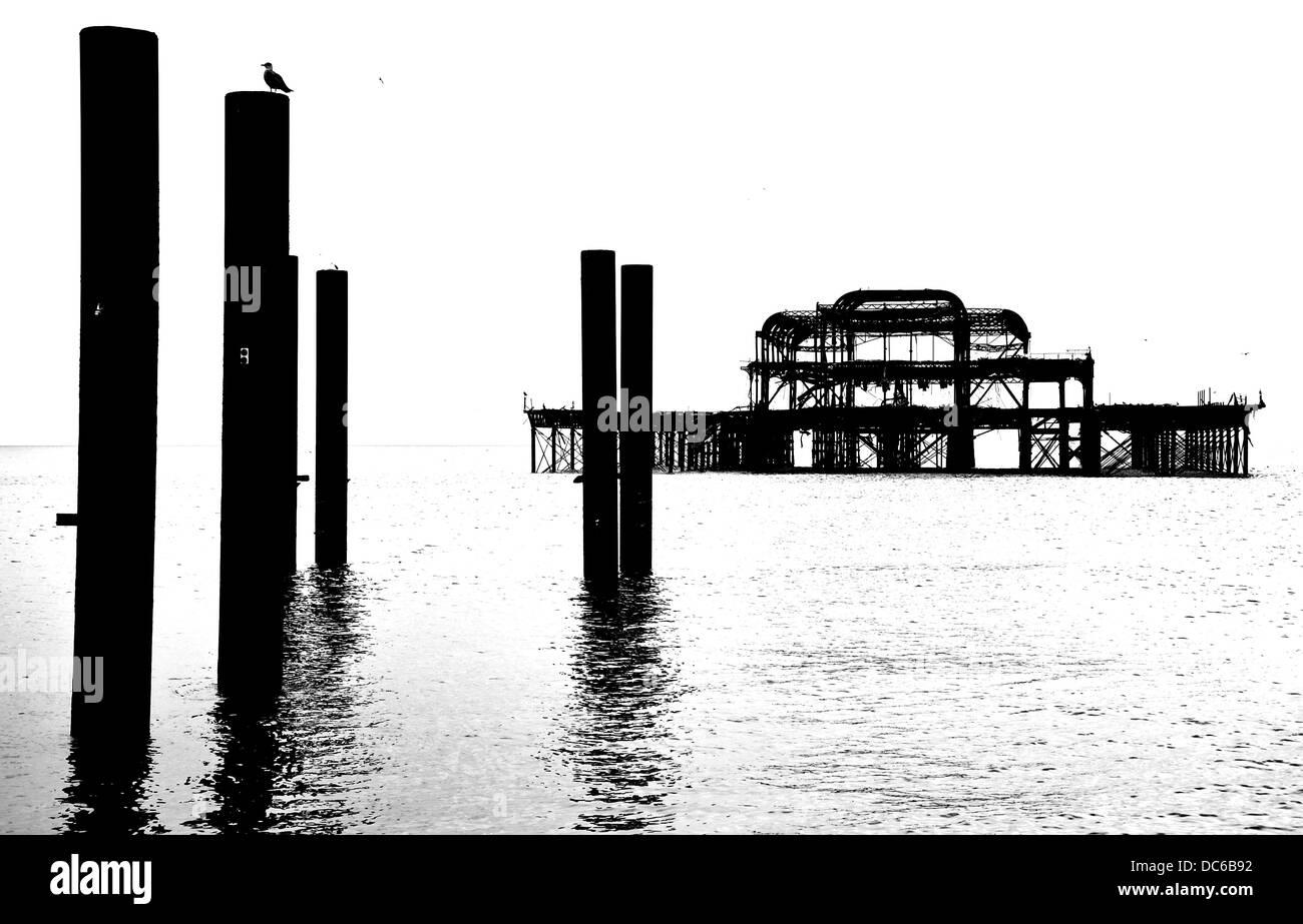 L'ancienne jetée de Brighton en noir et blanc Photo Stock