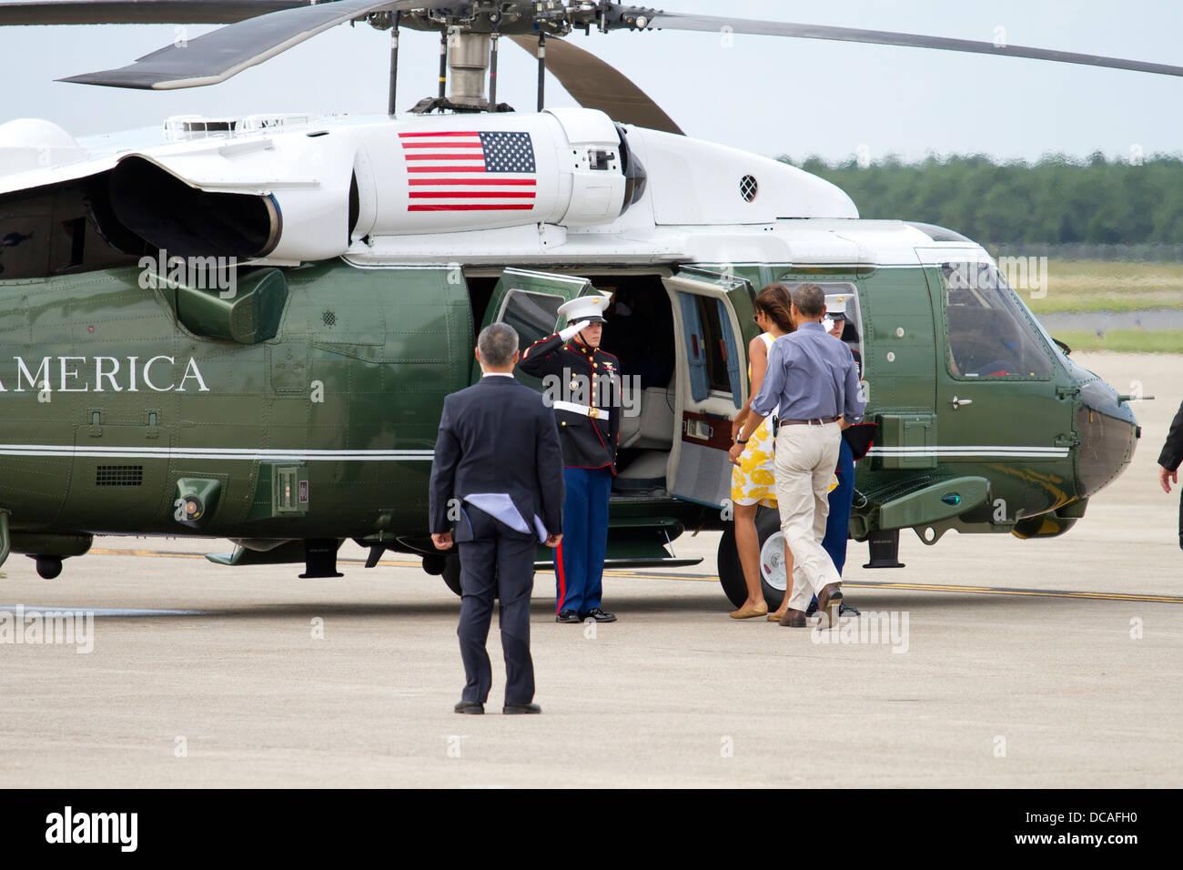 Le président Barack Obama visite Joint Base Cape Cod le 10 août 2013. Le président Obama s'est Photo Stock