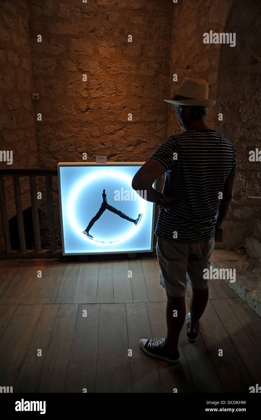 La Lumière Du Temps regarde touristiques sculpture intitulée la lumière du temps par l