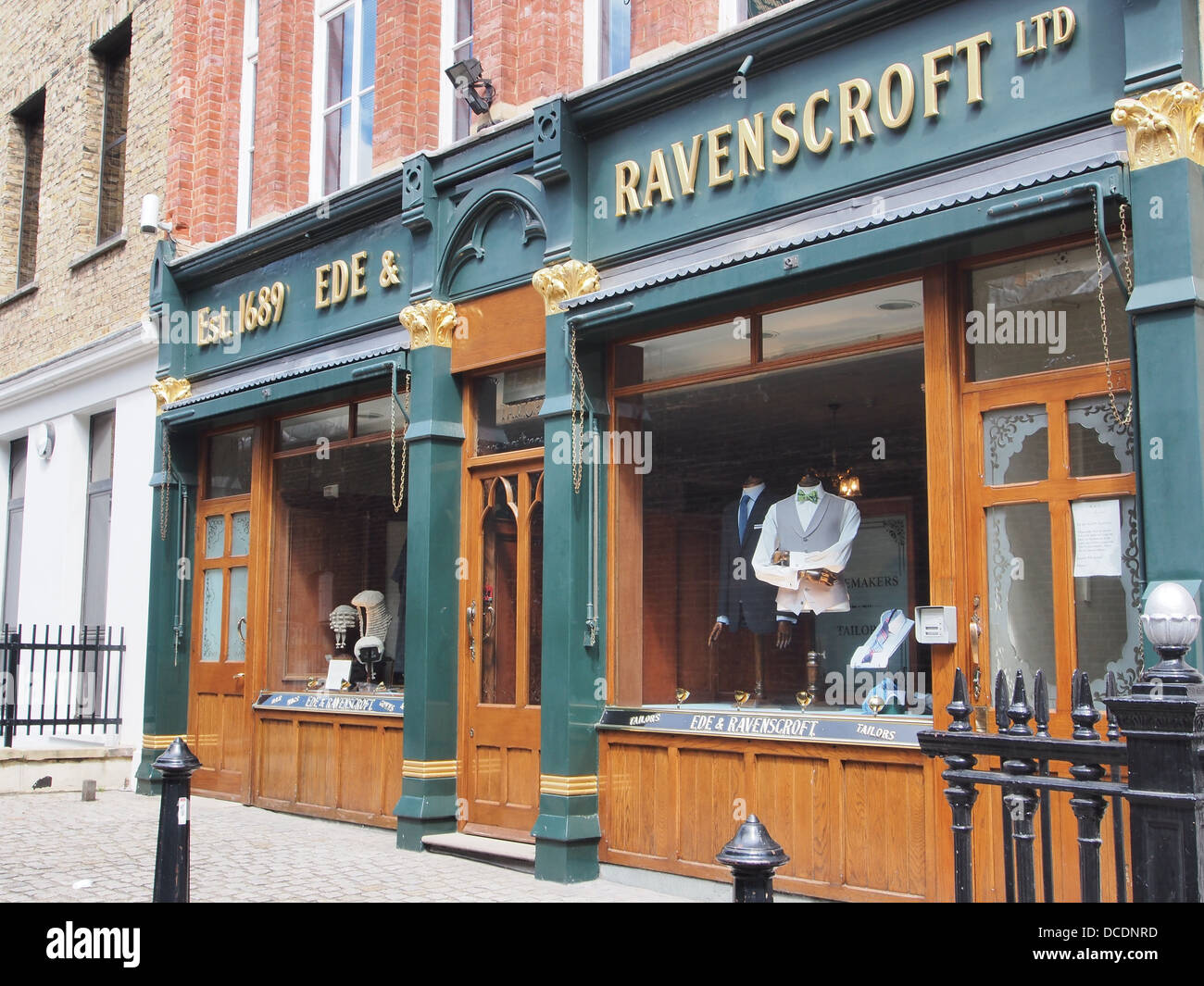 Vente de vitrines Londres barristers perruques et Photo Stock