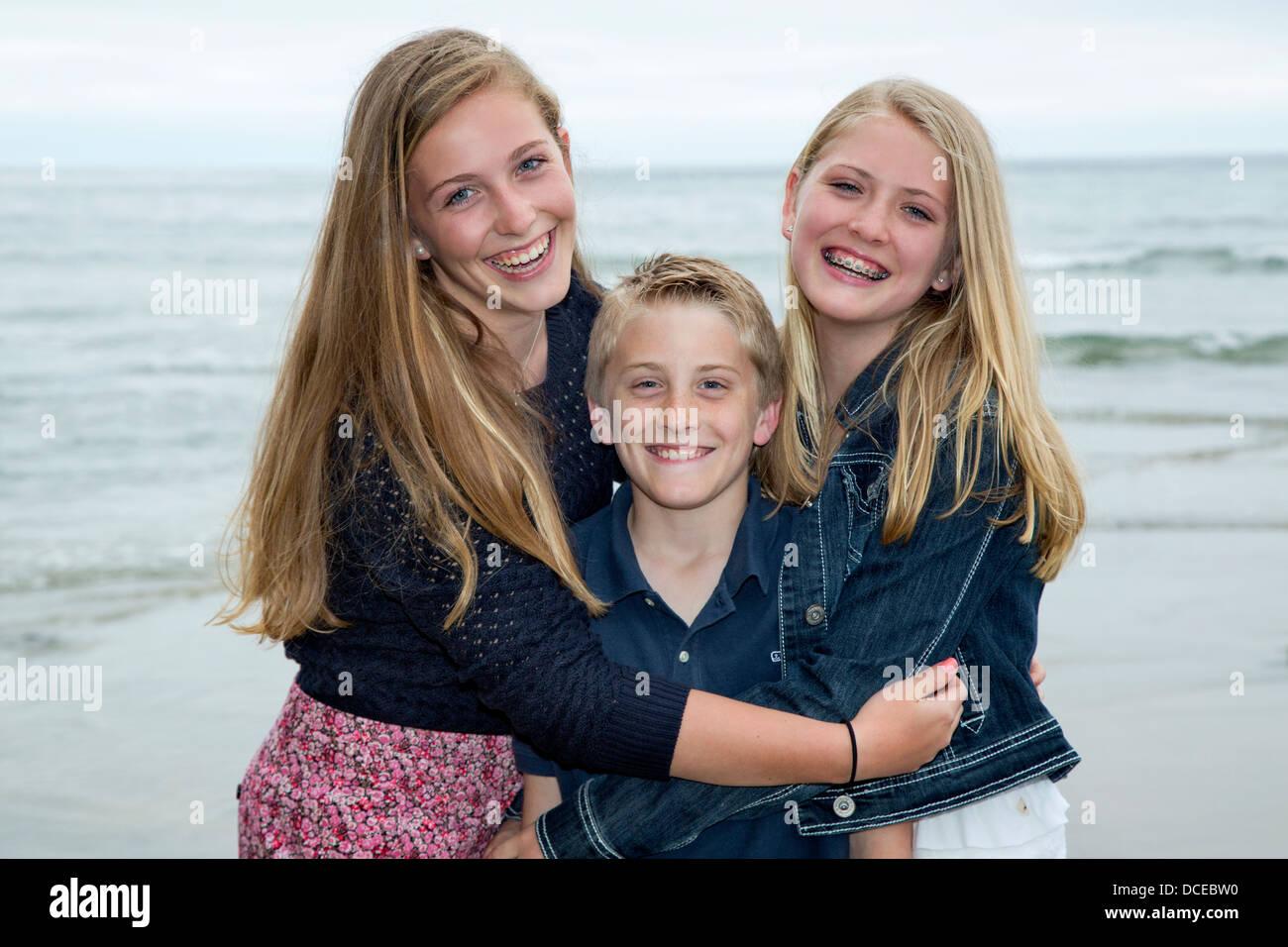 Heureux frères et sœurs Photo Stock