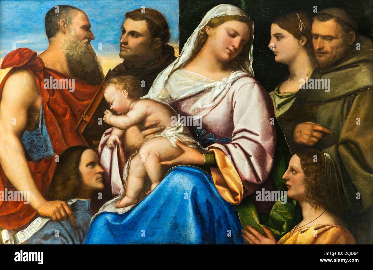16e siècle - Vierge à l'Enfant avec saints et donateurs, 1510 - Sebastiano del Piombo Photo Stock