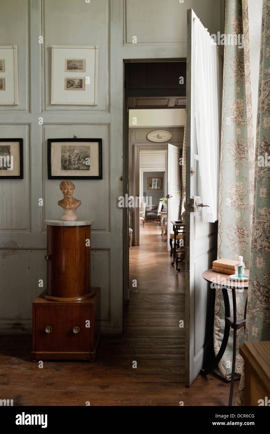 Chambre Française avec lambris de bois à la sur toute la ...