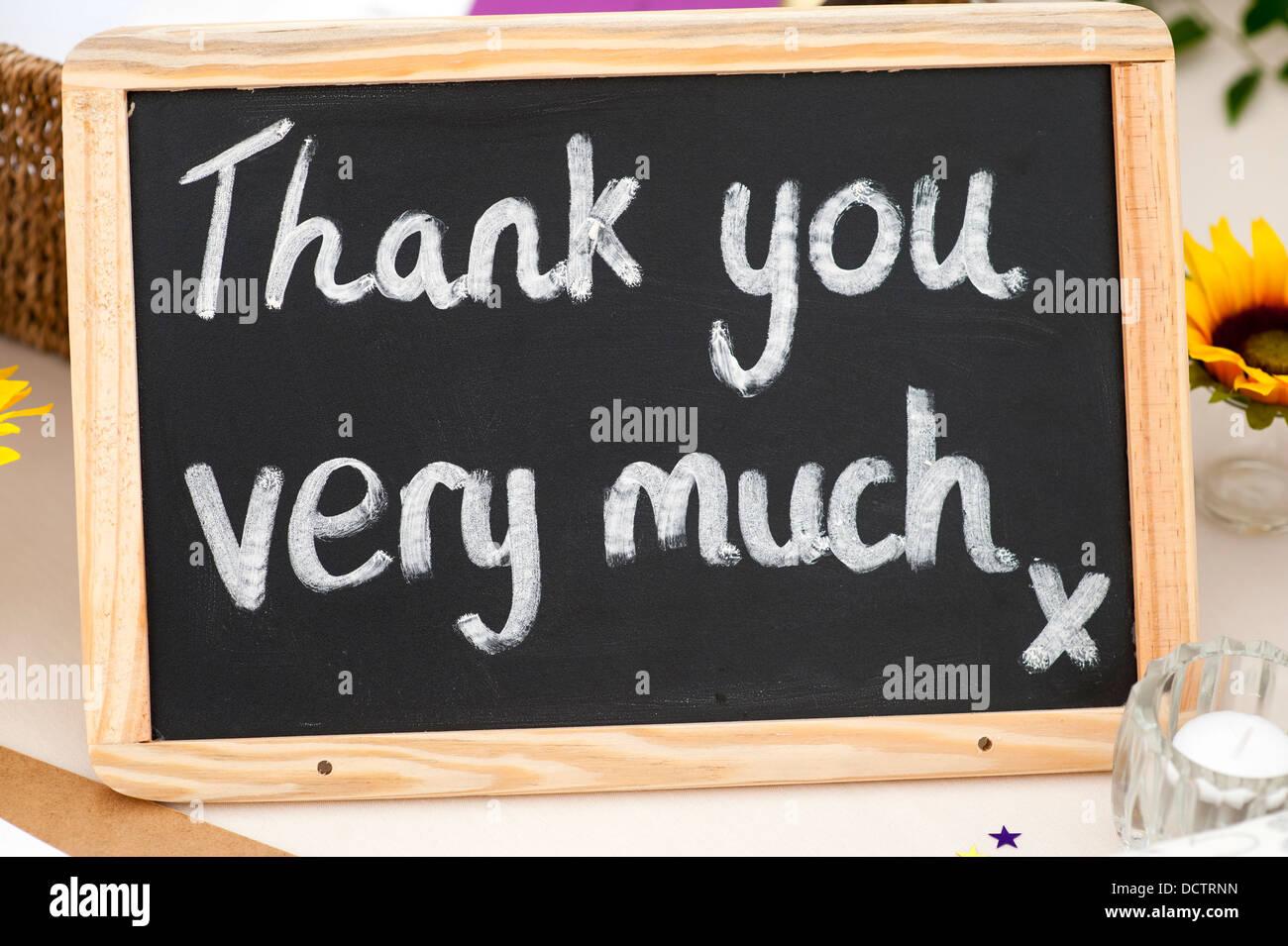 Merci beaucoup message écrit à la craie sur un petit tableau noir Photo Stock