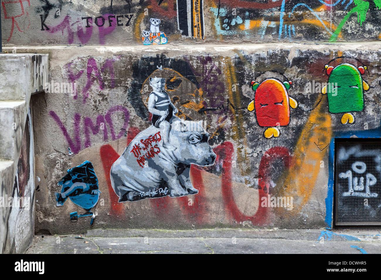 L'art de rue dans la cour intérieure de l'Haus Schwarzenberg, Rosenthaler Strasse, Berlin Photo Stock