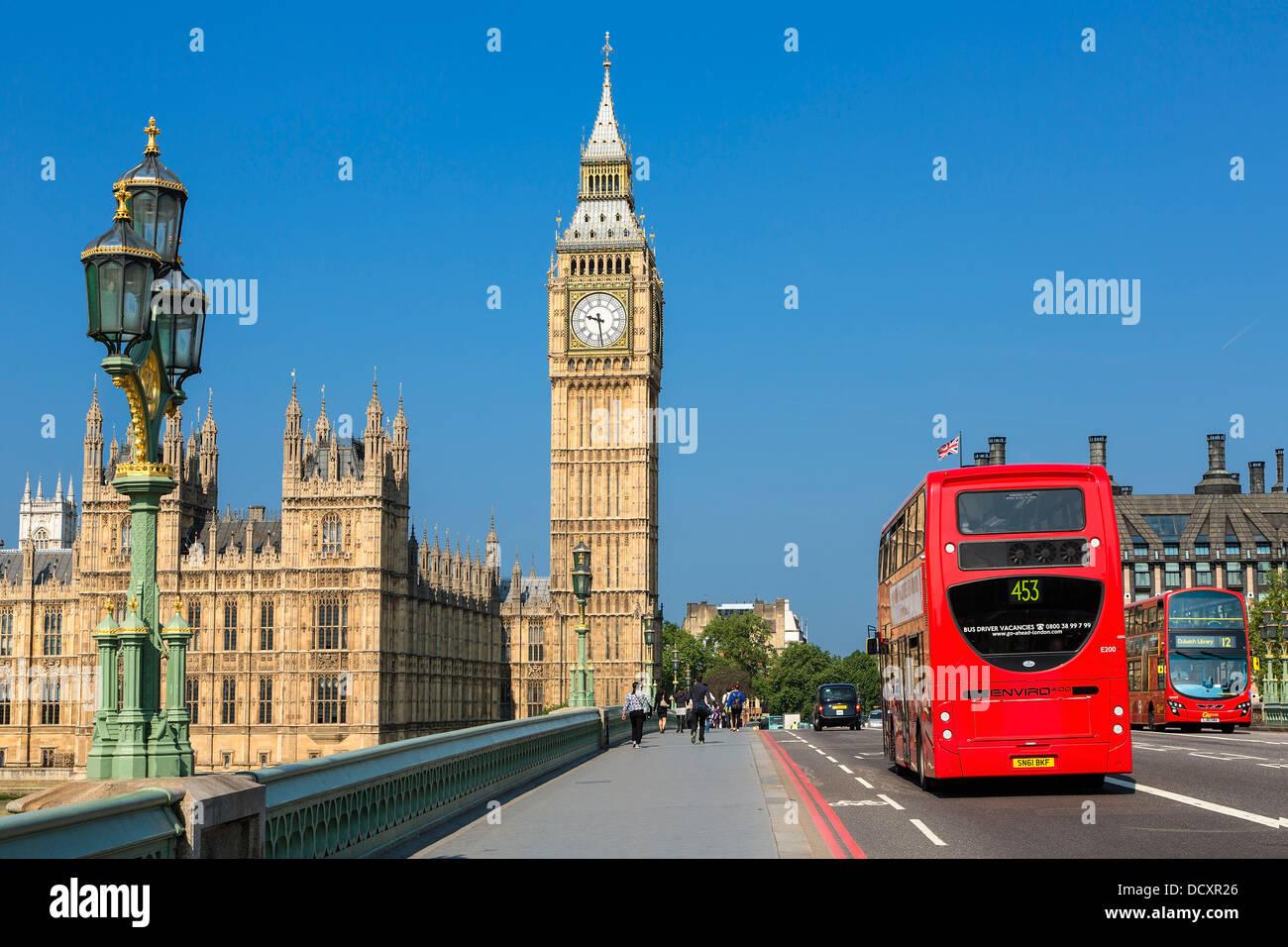 Londres, le pont de Westminster et des chambres du Parlement Photo Stock