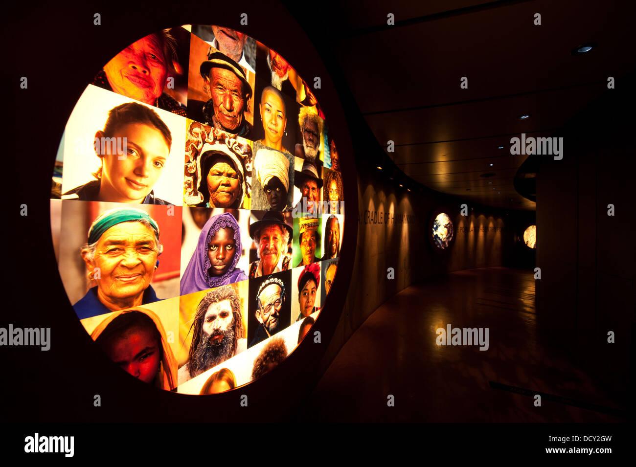 Maropeng Visitor Centre le berceau de l'humanité, près de Johannesburg, Afrique du Sud Photo Stock