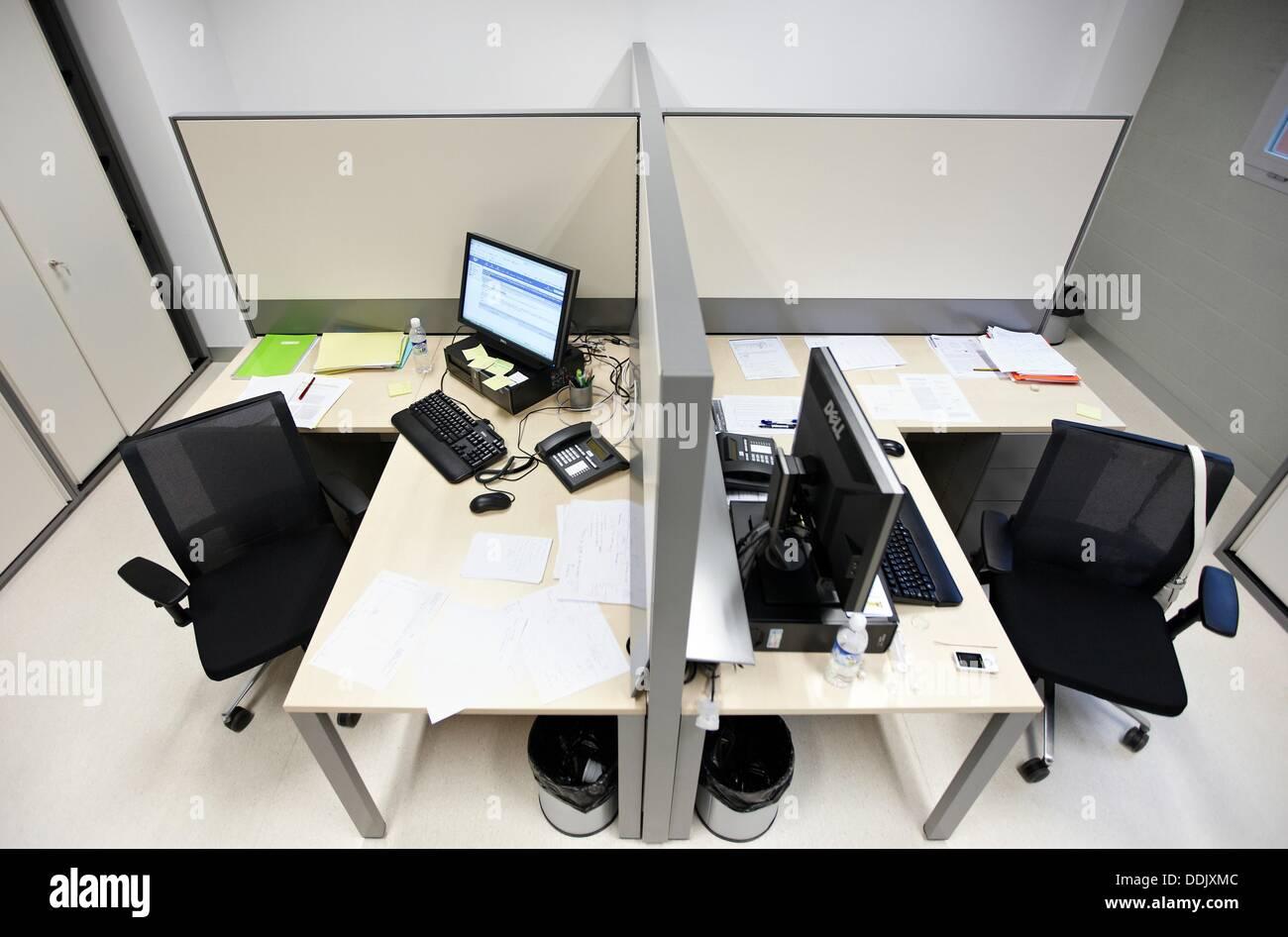 Bureaux centre de physique des matériaux est un centre mixte de