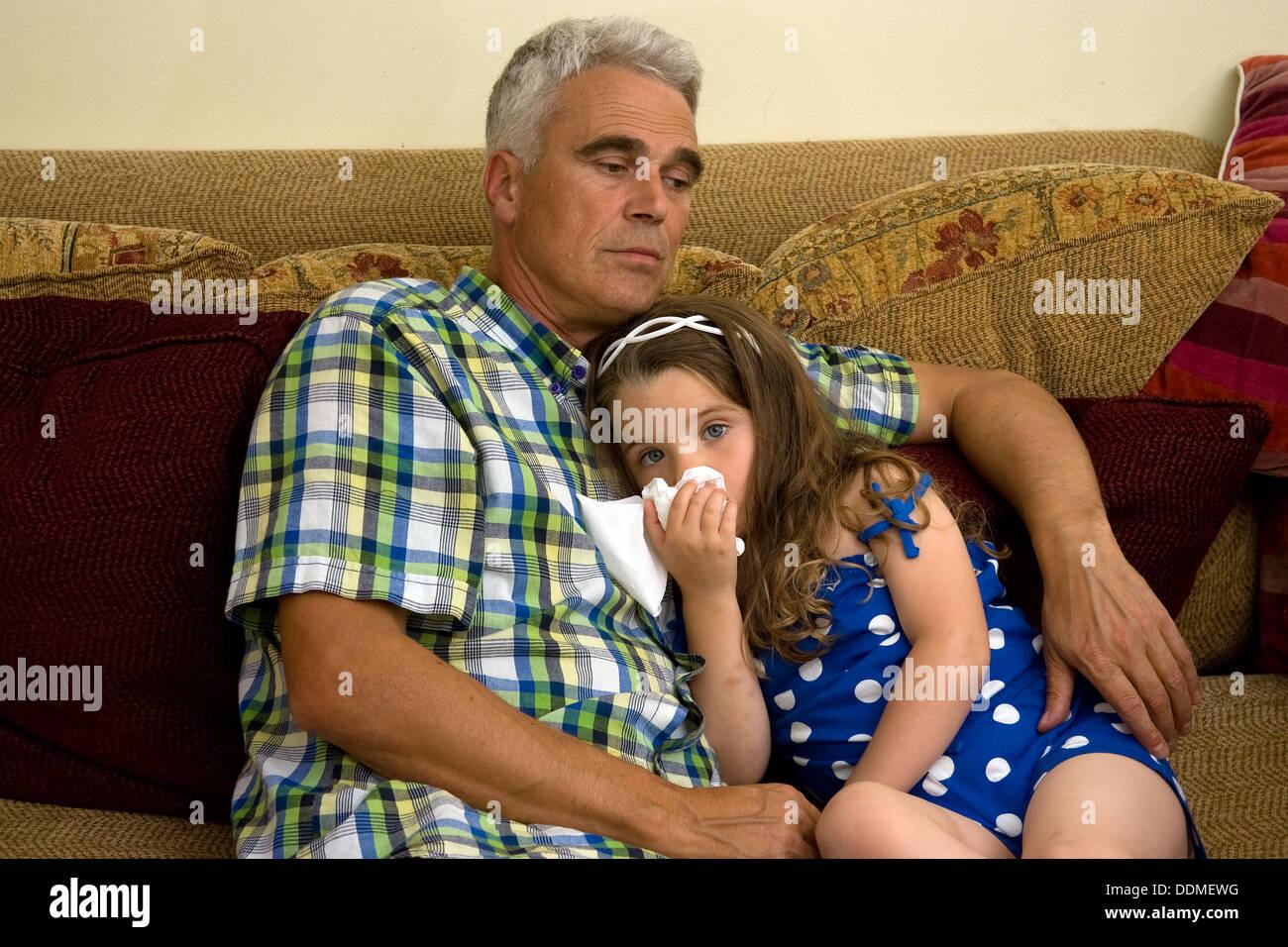 Père fille à la maison Photo Stock