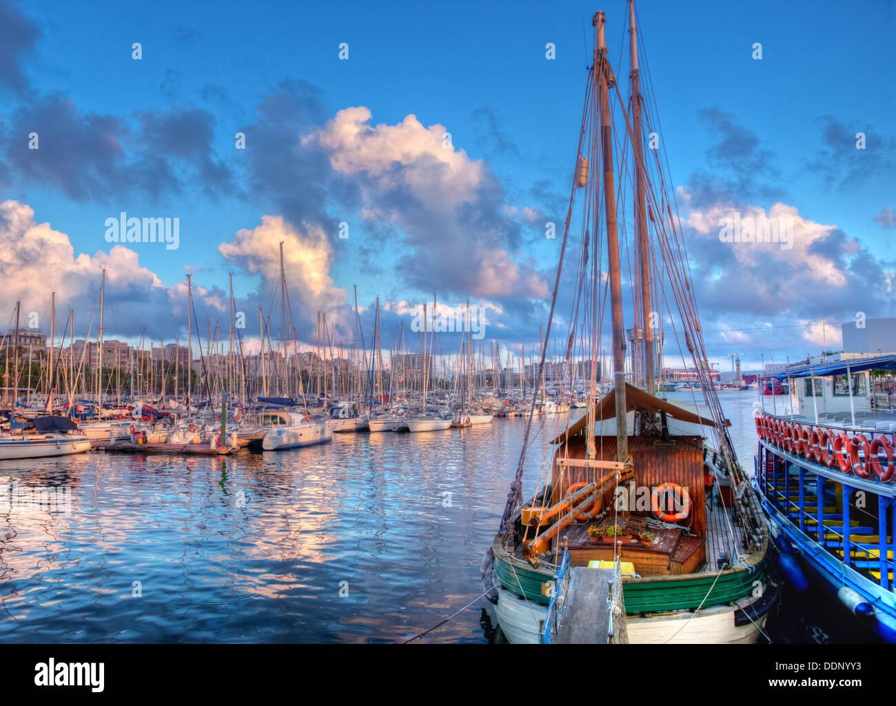 Le port de Barcelone, au coucher du soleil Photo Stock