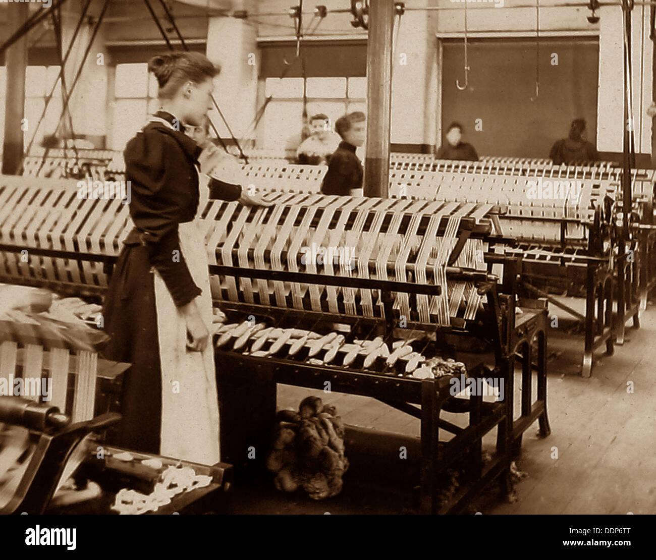 Au début des années 1900, les ouvriers du textile Photo Stock