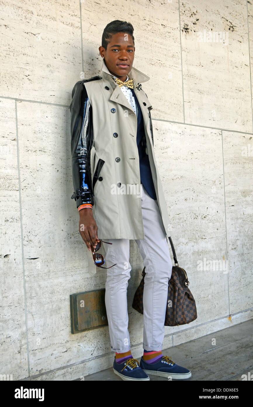 Portrait du chanteur auteur-compositeur Lemhaje piste à la Fashion Week au Lincoln Center à New York City Photo Stock