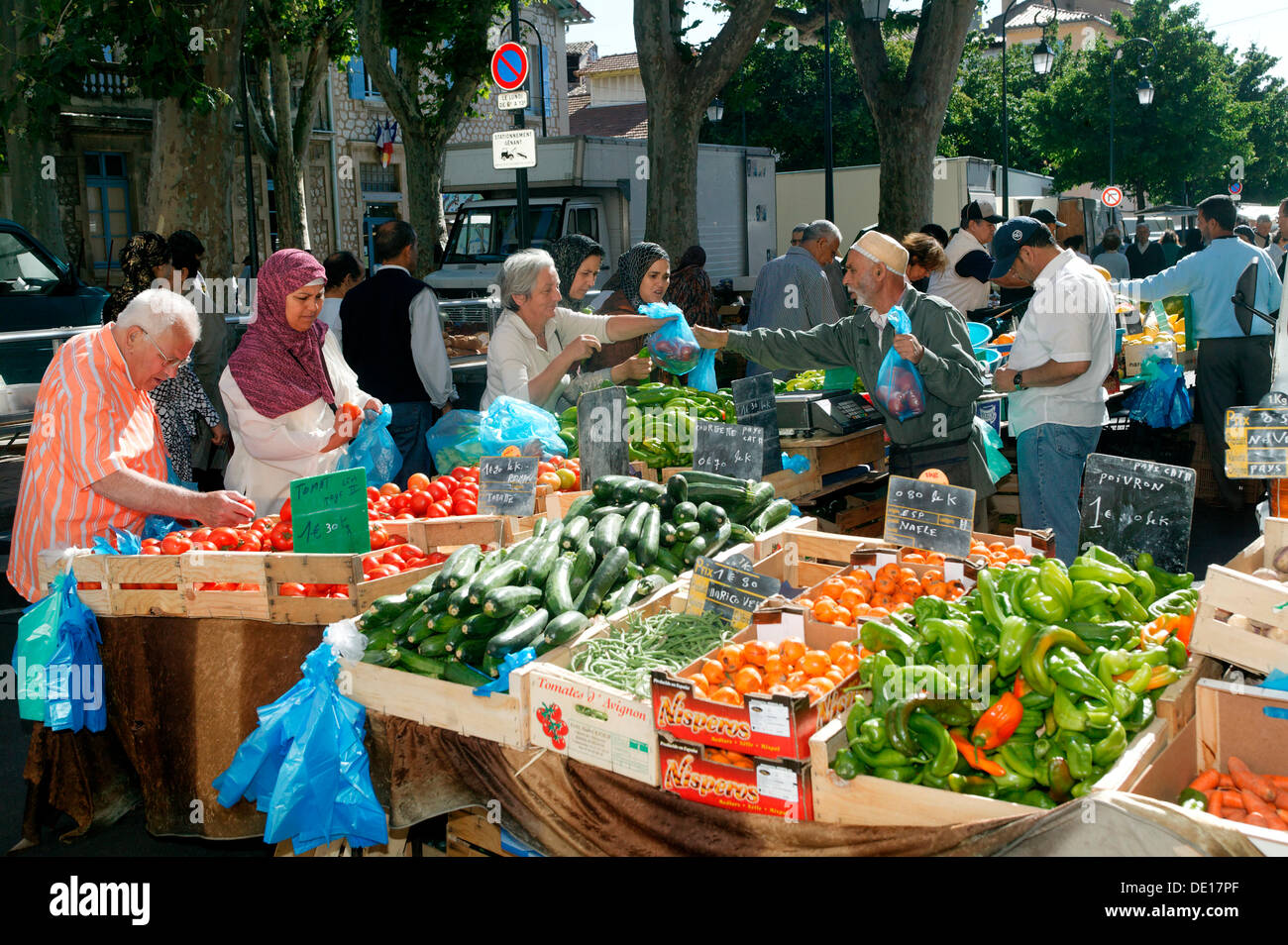 Cavaillon photos cavaillon images alamy - Cuisine du marche cavaillon ...