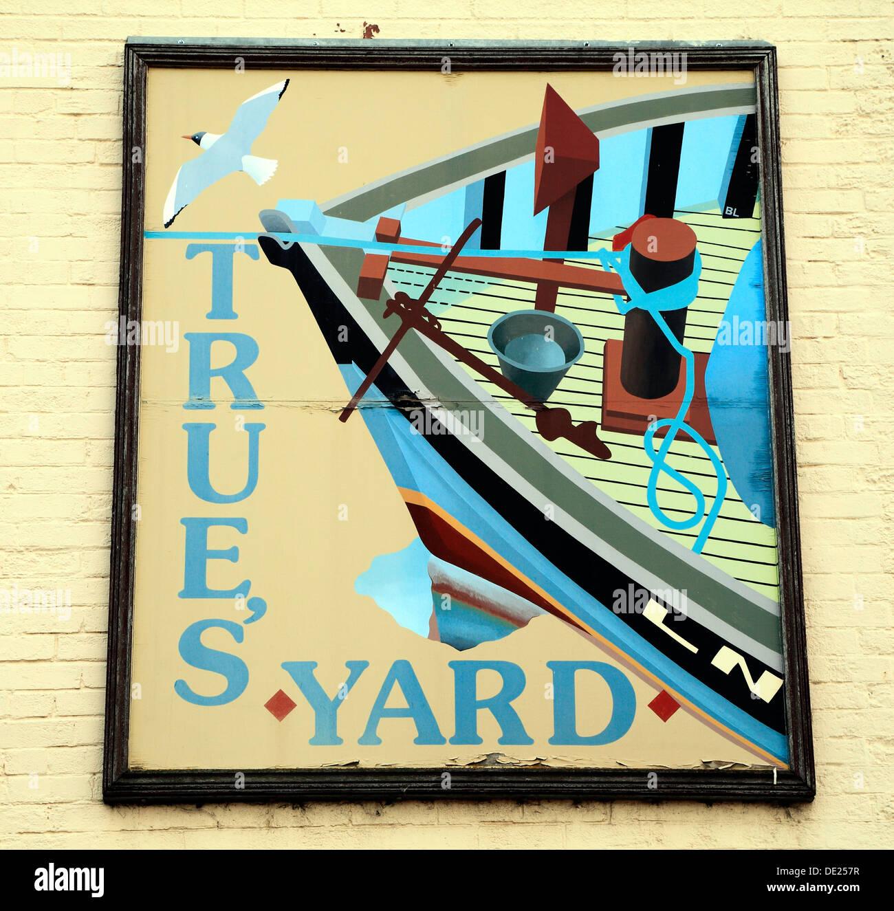 Vrai's Yard Museum, panneau Kings Lynn Norfolk England UK English pêche patrimoine musées et nautique Photo Stock