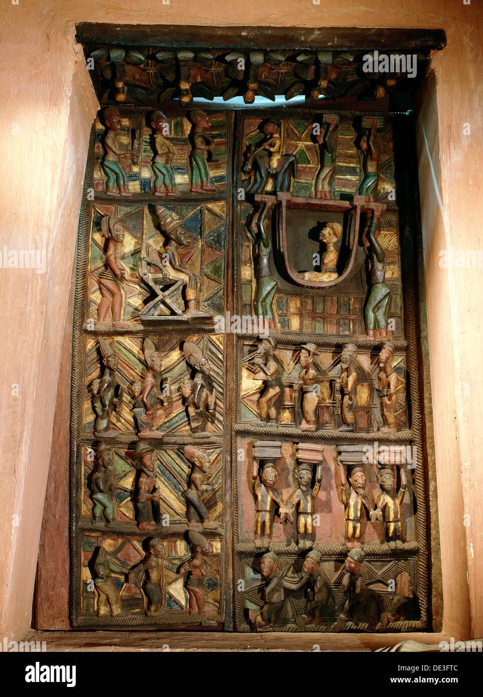 Les portes du palais à Ikere-Ekiti un royaume Yoruba est sculpté par le célèbre sculpteur et novatrices de Olowe ise. Banque D'Images