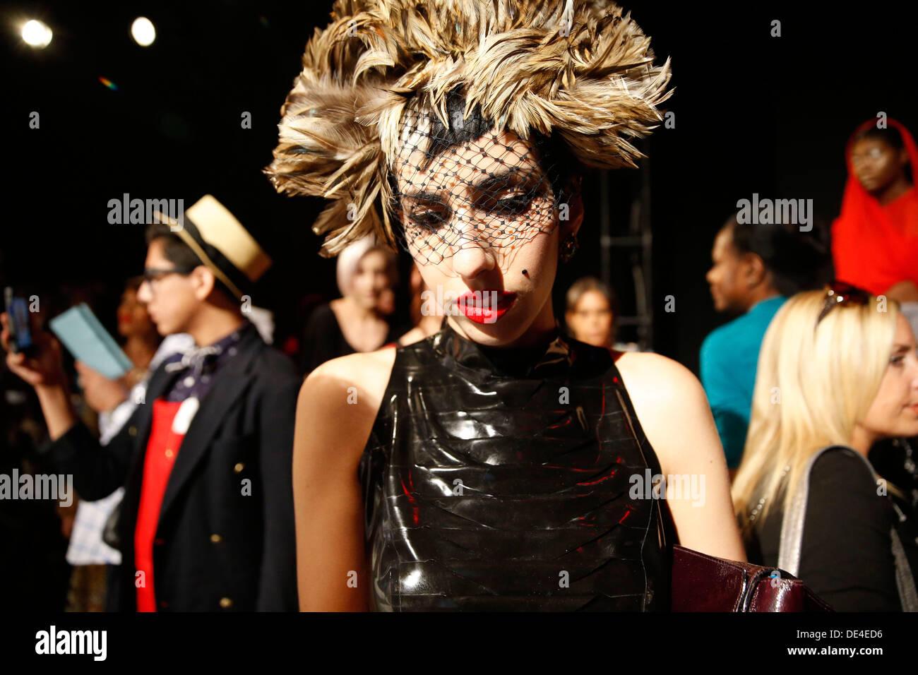 New York, NY, USA. 10e Août, 2013. Victime de la mode à l'intérieur à MBFW à New York City. Crédit: Scott Houston/Alamy Live News Photo Stock