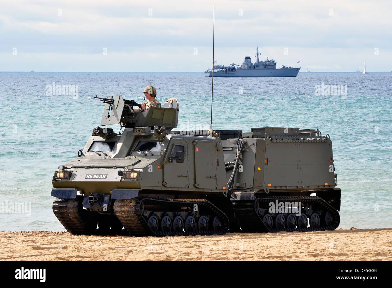 Démonstration d'une plage à l'atterrissage et le sauvetage d'otages par les soldats britanniques de la mission dans Banque D'Images