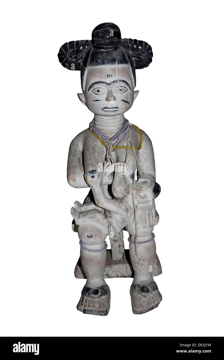 Maternité sculpté figure en bois, l'Afrique de l'Ouest Photo Stock