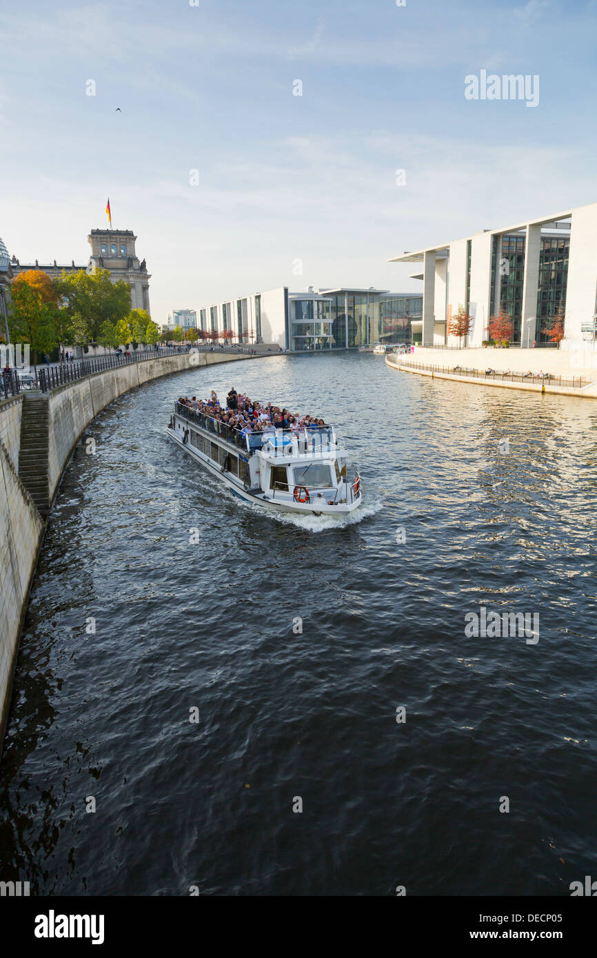 Vue sur la rivière Spree à Berlin Banque D'Images