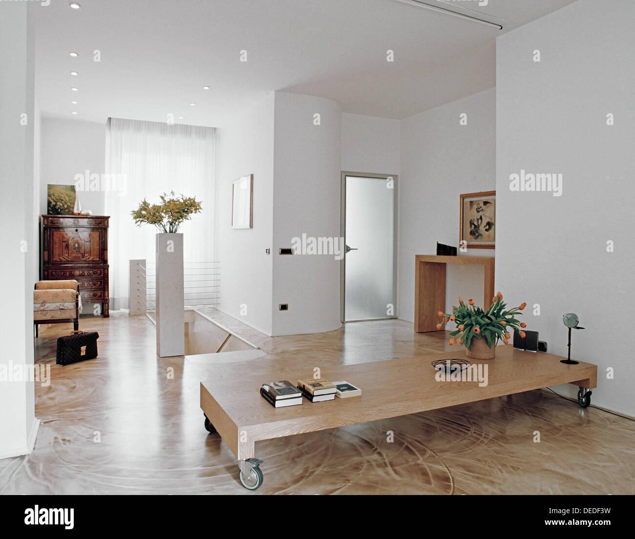 Salon Moderne Avec Des Meubles Anciens Et De Resine Marbre