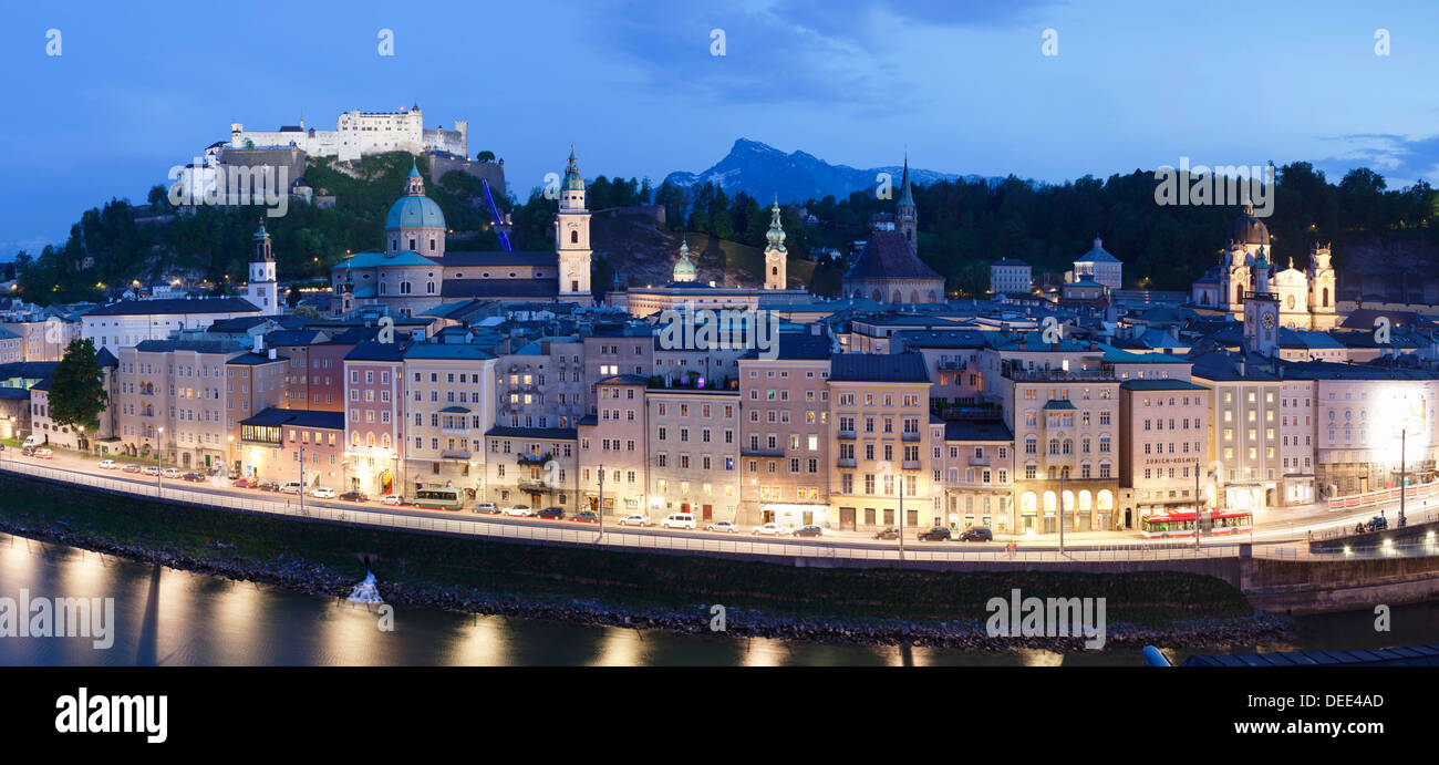 Vue sur la vieille ville de Salzbourg, l'UNESCO World Heritage Site, Salzburg, Salzburger Land, Autriche, Europe Photo Stock