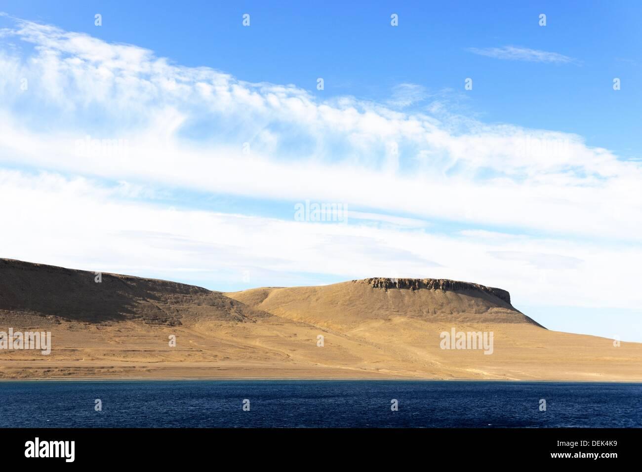 Tombes des marins de Sir John Franklin en date du 1846 sur l'île Beechey, près de l'île Devon St John Franklin quitte l'Angleterre en 1845 Photo Stock