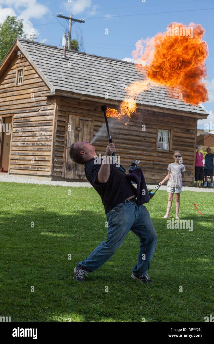 Divertissement de feu au Festival médiéval, l'état de New York, comté de Montgomery Photo Stock