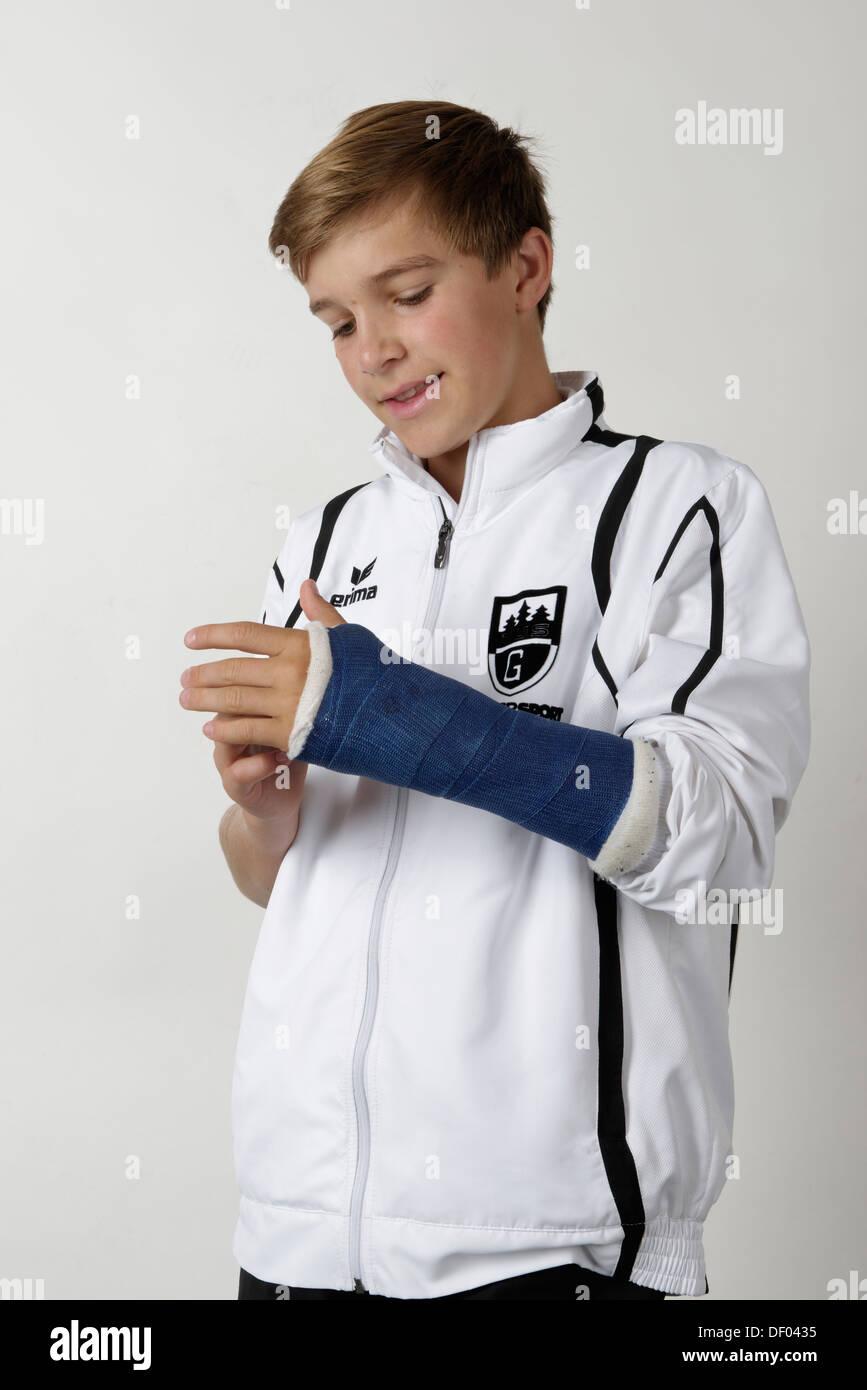 Jeune athlète avec un bras dommage Photo Stock