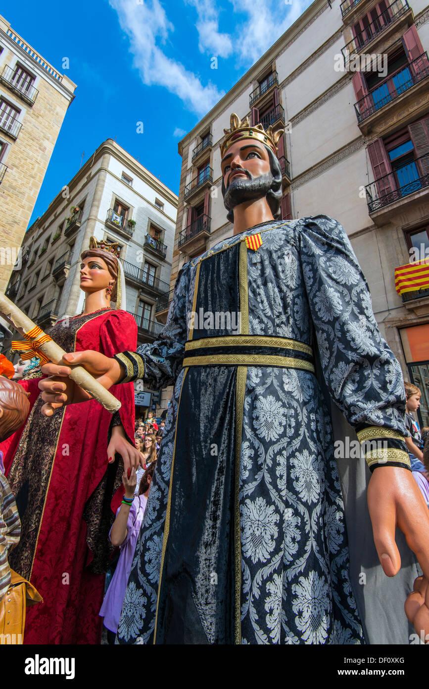 Les Gegants (Giants) parade de la Plaza San Jaume au cours de la Mercè, festival de Barcelone, Catalogne, Espagne Banque D'Images