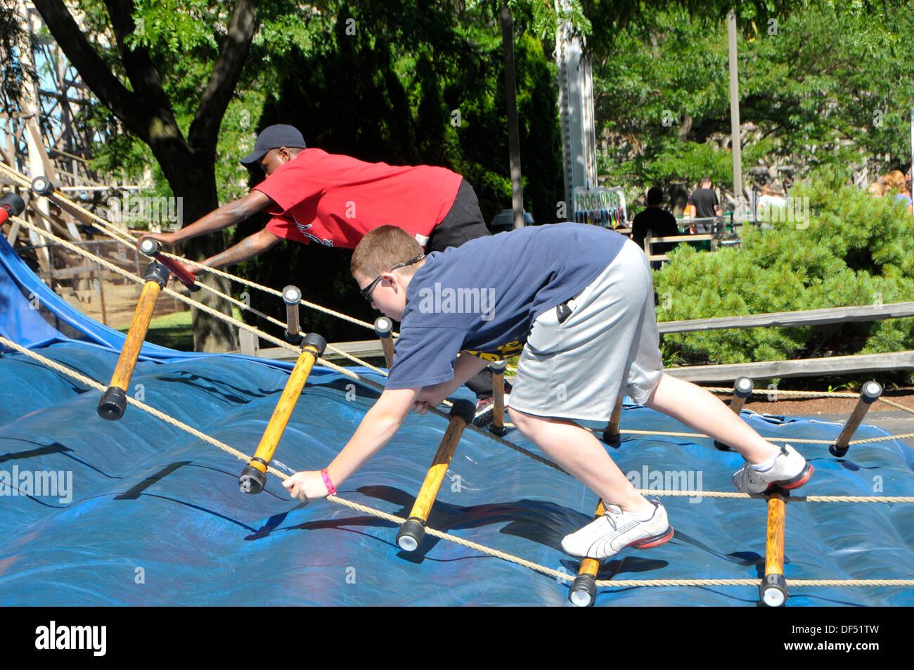 Stage d'escalade d'obstacles Cedar Point Amusement Park Sandusky Ohio Photo Stock