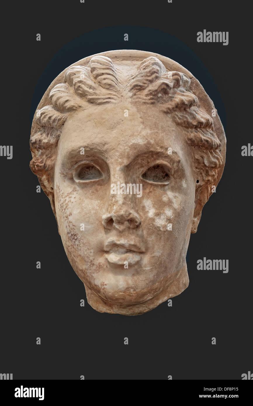 En tête colossale d'Artémis (190-180 B.C.) en Musée National, Grèce Photo Stock