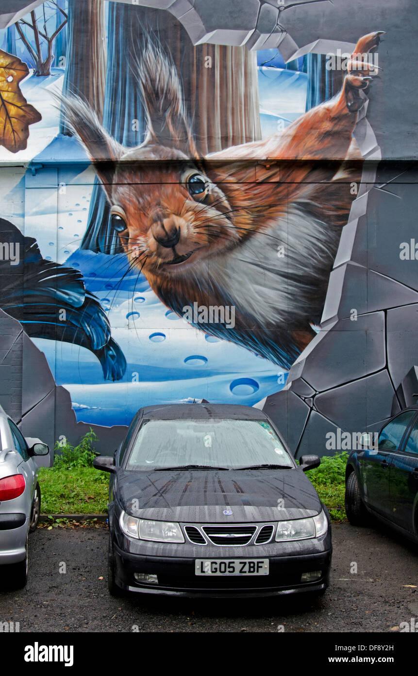 Détail de la fresque de la faune peint sur un mur du parking dans Ingram Street dans le centre de Glasgow. Banque D'Images