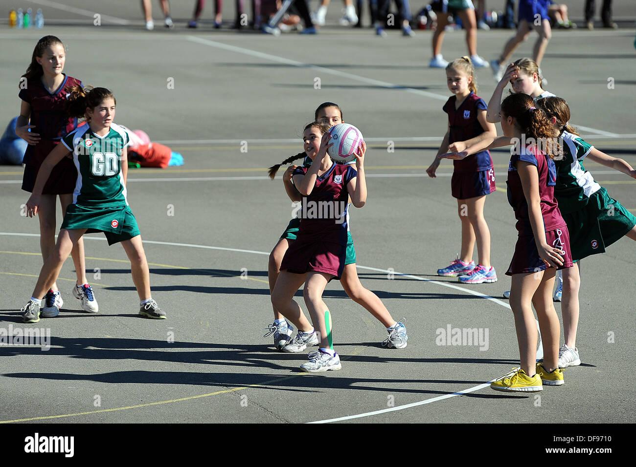 Motueka, Nelson, Nouvelle-Zélande. 10 août, 2013. Le netball pour les enfants. © Plus Sport Action/Alamy Photo Stock