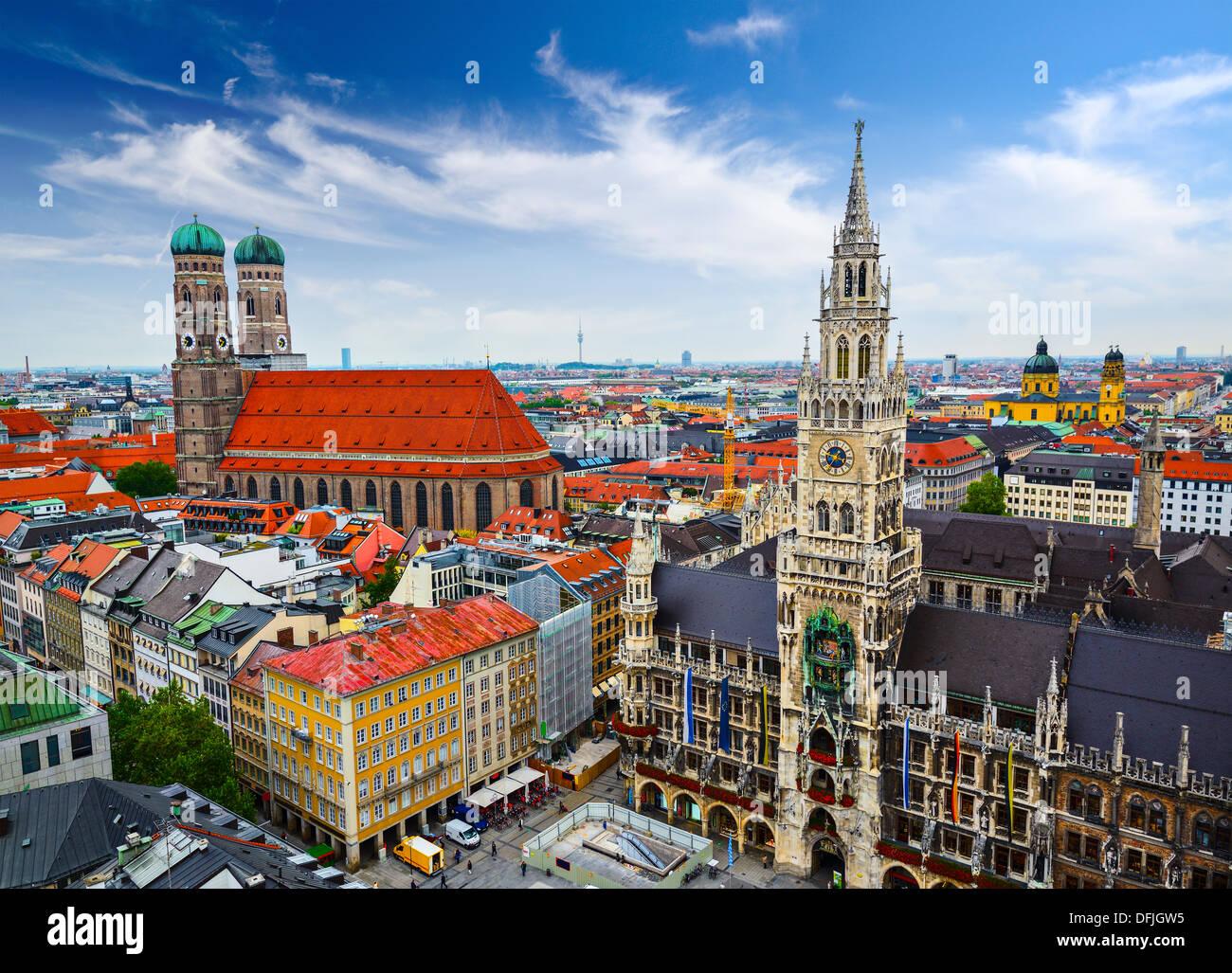Munich, Allemagne skyline à l'Hôtel de Ville. Photo Stock