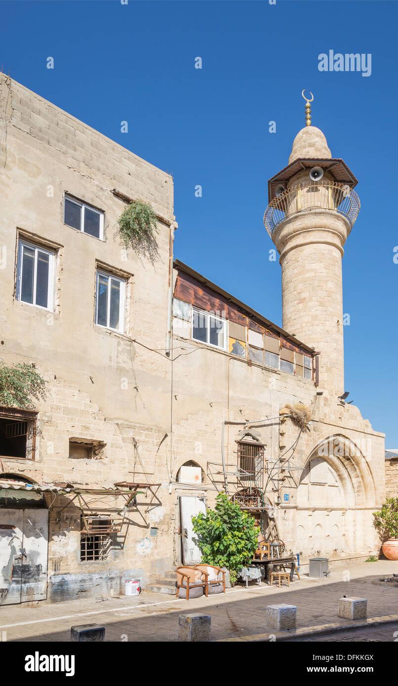 Rue de la vieille ville de Tel Aviv avec mosque Photo Stock