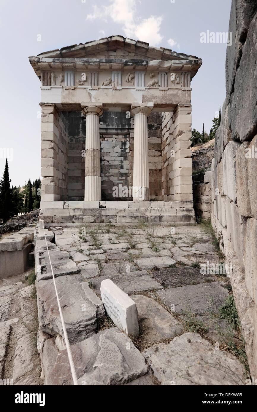 Trésor des Athéniens, Delphi, UNESCO World Heritage Site, Grèce, Europe Banque D'Images